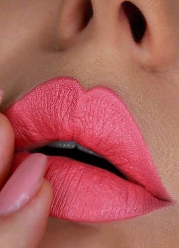 Profound Creamy Matte Lipstick, Etiquette